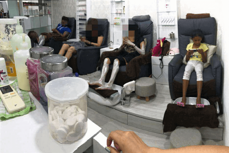 Nail Salon - Ready For Immediate Takeover ( Ms Yenn 90035724 )