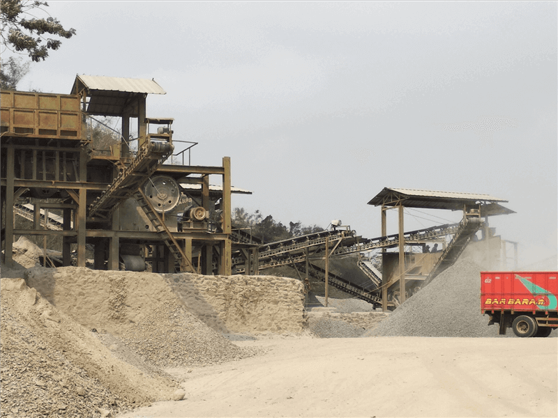 Mining Business in Commodities
