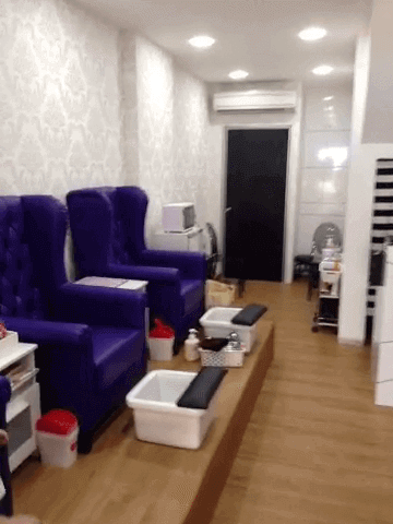Nail Shop For Takeover