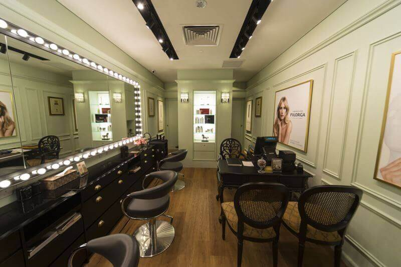 An Award Winning Small Beauty Studio At Crowded Shopping Mall