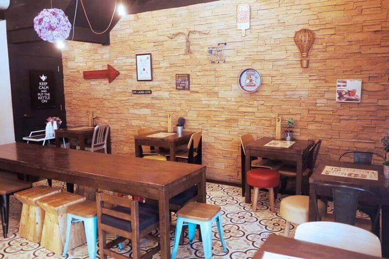 Fully-Fitted Cafe In Bukit Merah Central For Take-Over