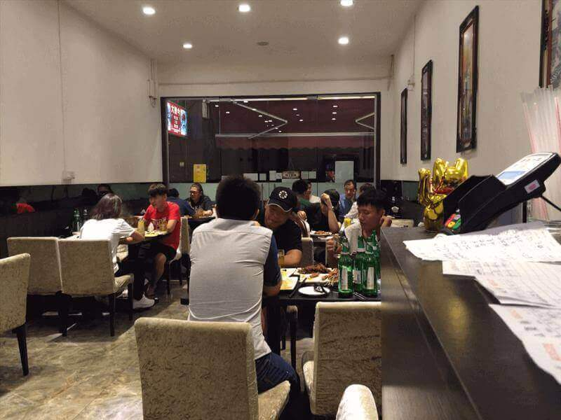 Geylang Chinese Restaurant Space for Urgent Takeover ! (Vincent 90670575)