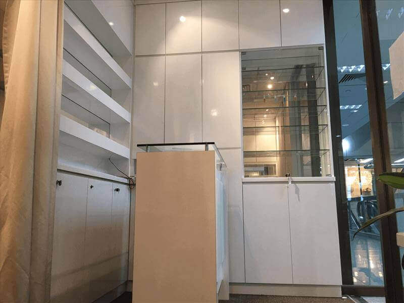 474sf Beauty Salon 4 facial rooms + 2 shower rooms At Orchard Road