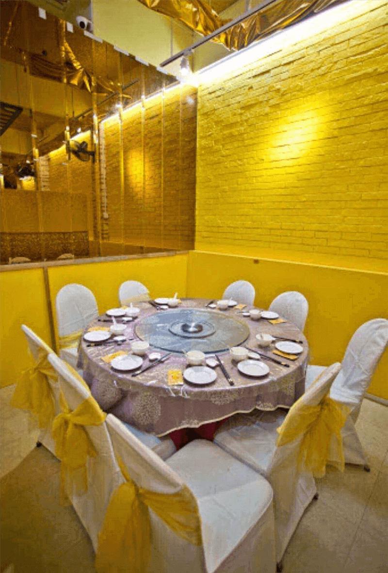 Hot pot Steamboat   Restaurant / 海鲜火锅餐厅 位于芽龍
