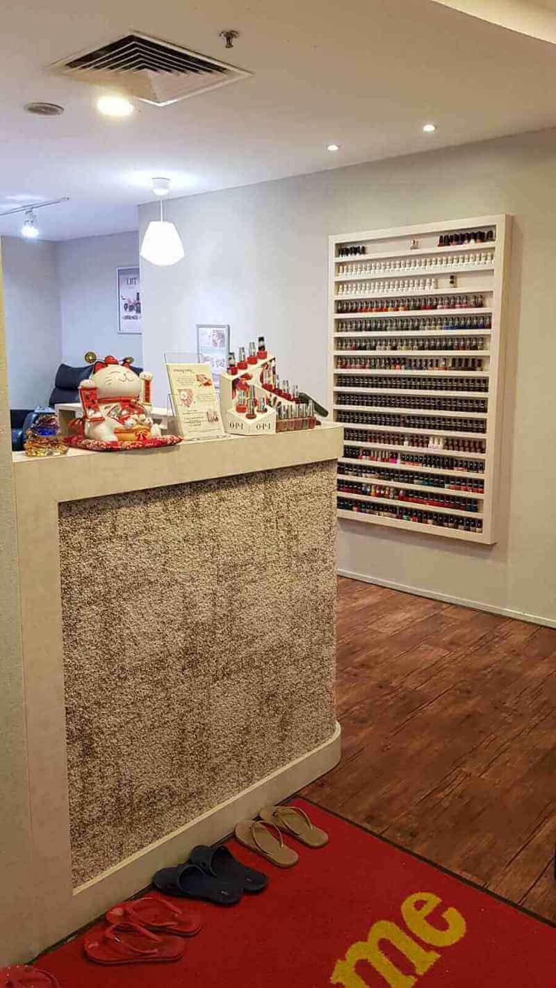 Manicure Shop At Katong/Marine Parade For Take Over. Don't Miss!