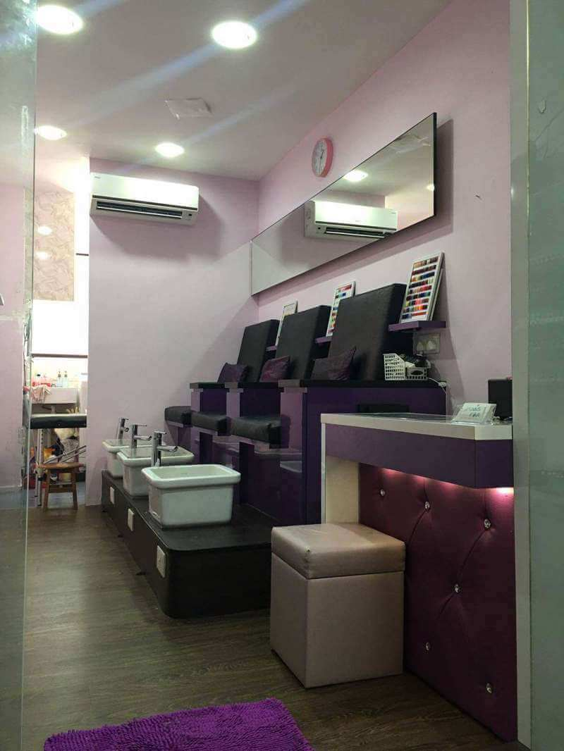 Manicure Shop For Take Over