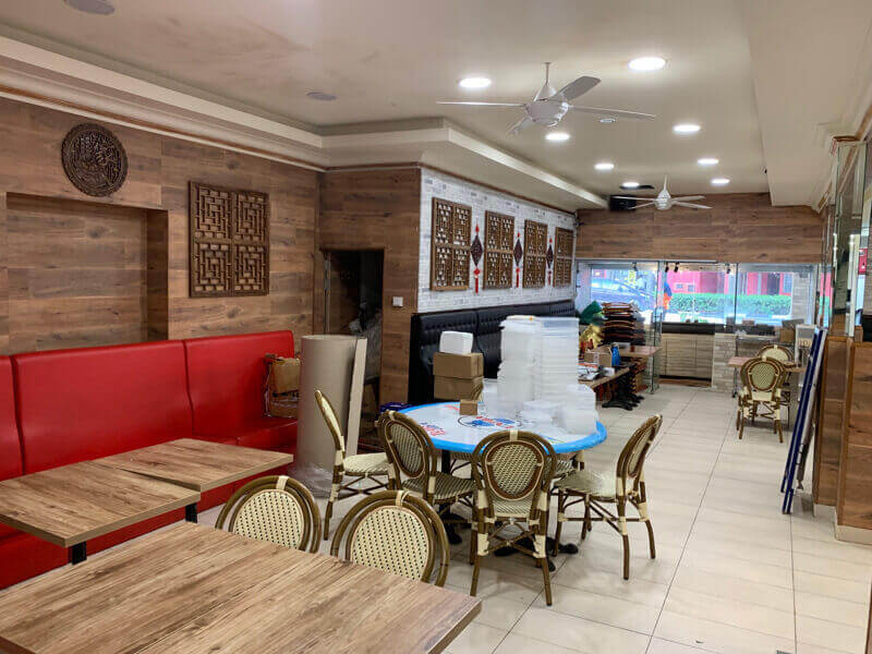 Opposite City Square Mall and Farrar Park MRT Restaurant for Lease/Fiited Kitchen without takeover