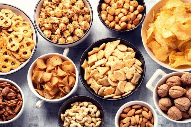 Profitable Snack Distribution Biz For Sale ! 零食批发生意出售 ! 90670575 !