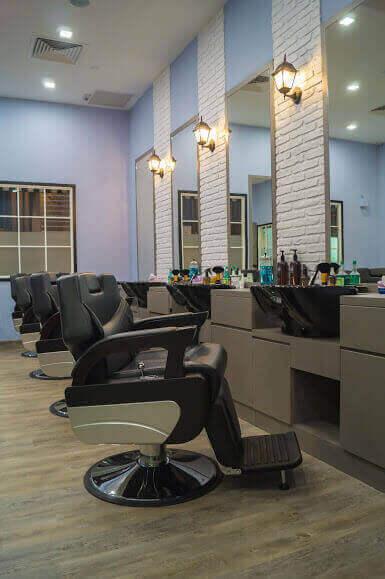 Established Upscale Barber Shop / Men's Salon In Orchard. Buy Or Invest.