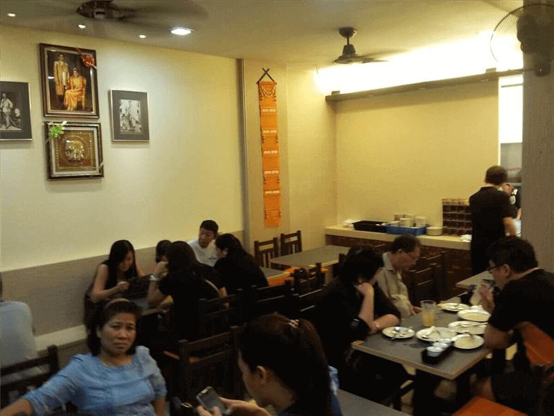 Thai Restaurant In Serangoon Ave 2 Neighbourhood For Takeover